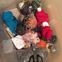 Säljer garn och kläder – rensartagen