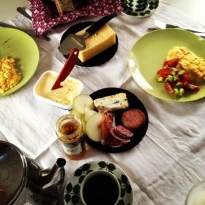 Fikonmarmelad, korvar, skinka och gorgonzola